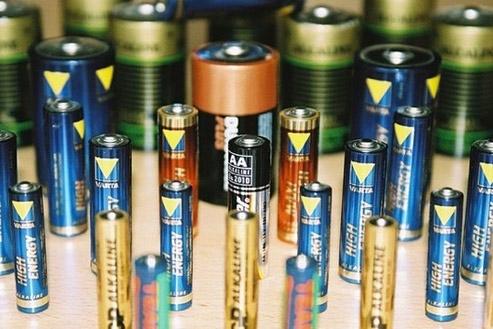 Ấn Độ điều tra chống bán phá giá mặt hàng pin khô AA của Việt Nam
