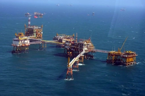 PVN chưa giảm sản lượng khai thác dù giá dầu giảm